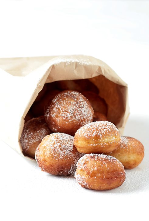These lovely things are Meyer Lemon and Sour Cream Donuts and just the name of them is making me drool. Thanks to Helene of tarteletteblog for providing the recipe. I'll be serving these up to my man on our anniversary.