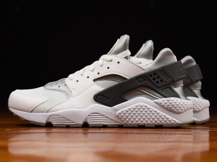Nike Huarache Negro / Lobo Gris Oscuro Desvanecimiento De Color Blanco Grisáceo muy en línea 4Jt2tI