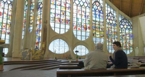 Les vitraux voyageurs de l'Eglise Sainte Jeanne d'arc à Rouen - Les trouvailles d'Eglantine - Jour de brocante - France 3
