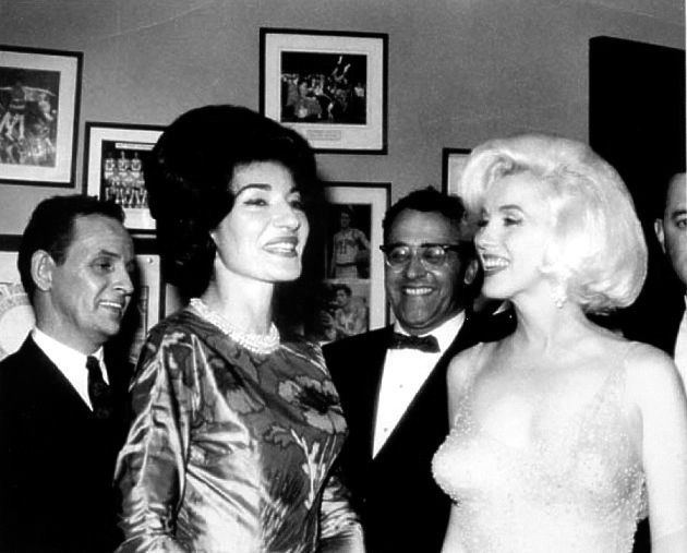 Marilyn and Maria Callas at a private celebration following John F - sch ller k che gala