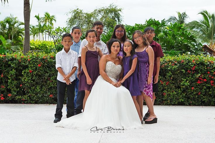 The bride and all the little cousins #brides #bride #wedding #weddingday #brideportrait #mexicowedding #mexico2016 #nowamberresort #weddingtime #weddingphotography #weddingphotographer #yegphotographer #yegweddingphotographer #like4like #followforfollow