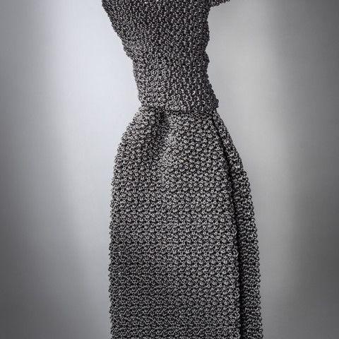 """""""Cri de la Soie"""" Slate-Grey Knit Tie by Peacon, handmade in Germany! #knittie #sprezzatura #menstyle #gentleman"""