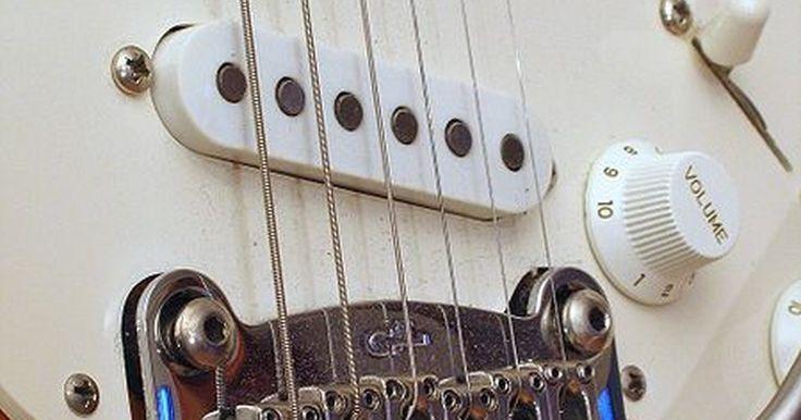¿Qué son los acordes de poder?. Los acordes de poder, también conocidos como acordes quintos, son intervalos musicales que consisten de la nota raíz del acorde y la quinta. Los acordes de poder típicamente presentan la distorsión electrónica que viene de ser tocados en una guitarra eléctrica y a través de un amplificador. Los acordes de poder son comunes en la música rock.