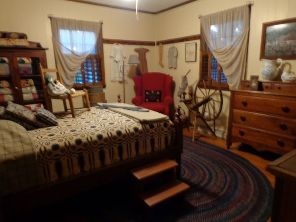 Primitive Bedrooms | RED WHITE AND PRIMITIVE   Bedroom Designs   Decorating  Ideas   HGTV .