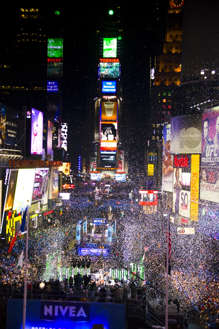 times square. new year's eve. bucket list.