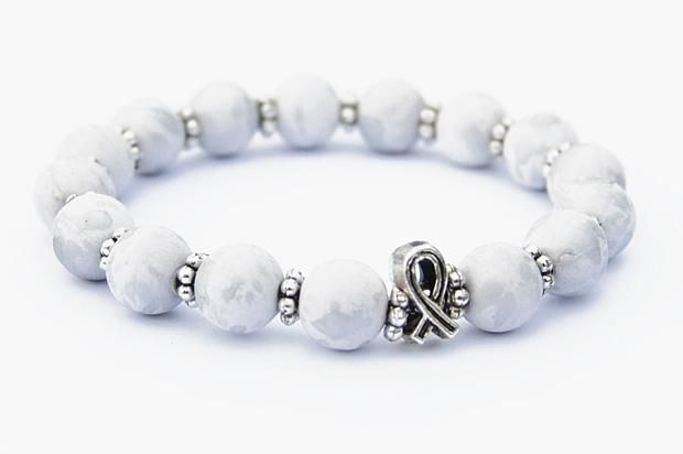 Beaded Cancer Bracelet - Lung Cancer (White/Clear)
