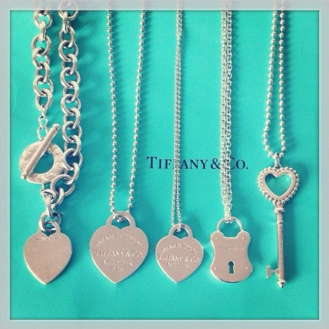 .@tiffanyandcolove | Happy Friday  Tag a friend who loves Tiffanys! Thank you @ninarahel for the l... | Webstagram