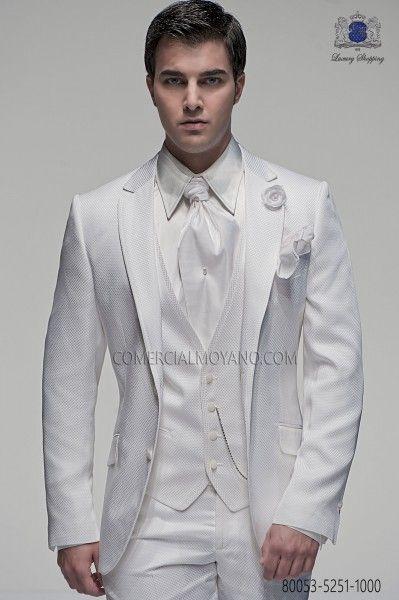 Las 25 mejores ideas sobre trajes de novio blanco en for Trajes de novio blanco para boda