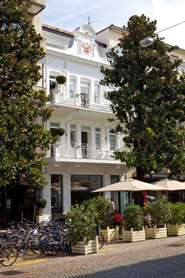 16 best images about art design hotel imperialart on for Designhotel italien