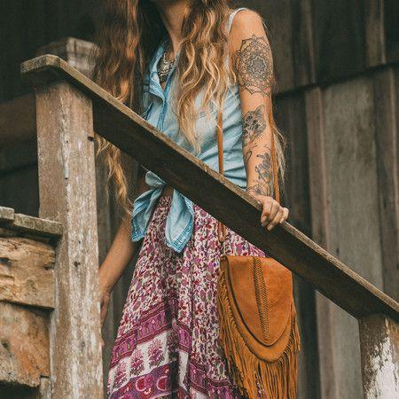 MAYA handmade leather shoulder bag #mahila #leather #handmade #boho #bohemian #bohoinspiration #genuine #bag www.mahilacouro.com.br