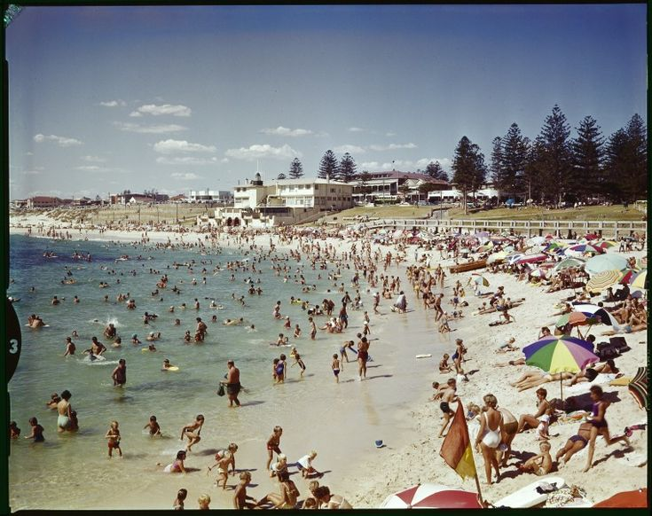228152PD: Cottesloe Beach with the Centenary Pavilion in the background, ca. 1962. https://encore.slwa.wa.gov.au/iii/encore/record/C__Rb3760463
