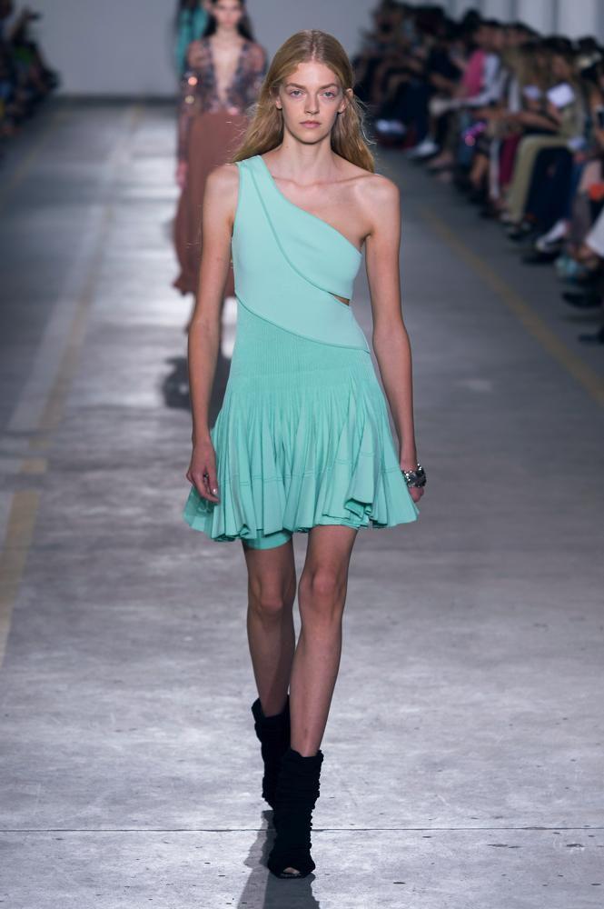 new products 4ae73 1469b La parola d'ordine della moda Primavera Estate 2019 è ...