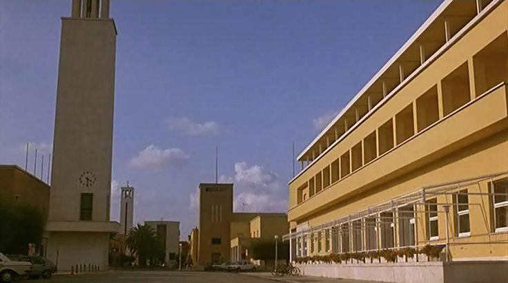 Storia di Piera, il centro civico di Sabaudia con albergo, Torre Littoria, Palazzo Comunale e Casa del Fascio