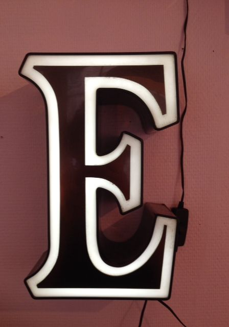 256 best images about neon other fab signage on pinterest typography - Lettre lumineuse vintage ...