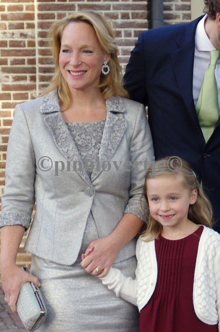 Margarita ten Cate - de Bourbon de Parme met haar oudste dochtertje
