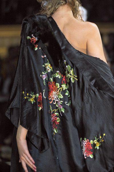 John Galliano at Paris Fashion Week Spring 2011 | Pinterest | John galliano, Heavenly and Silk