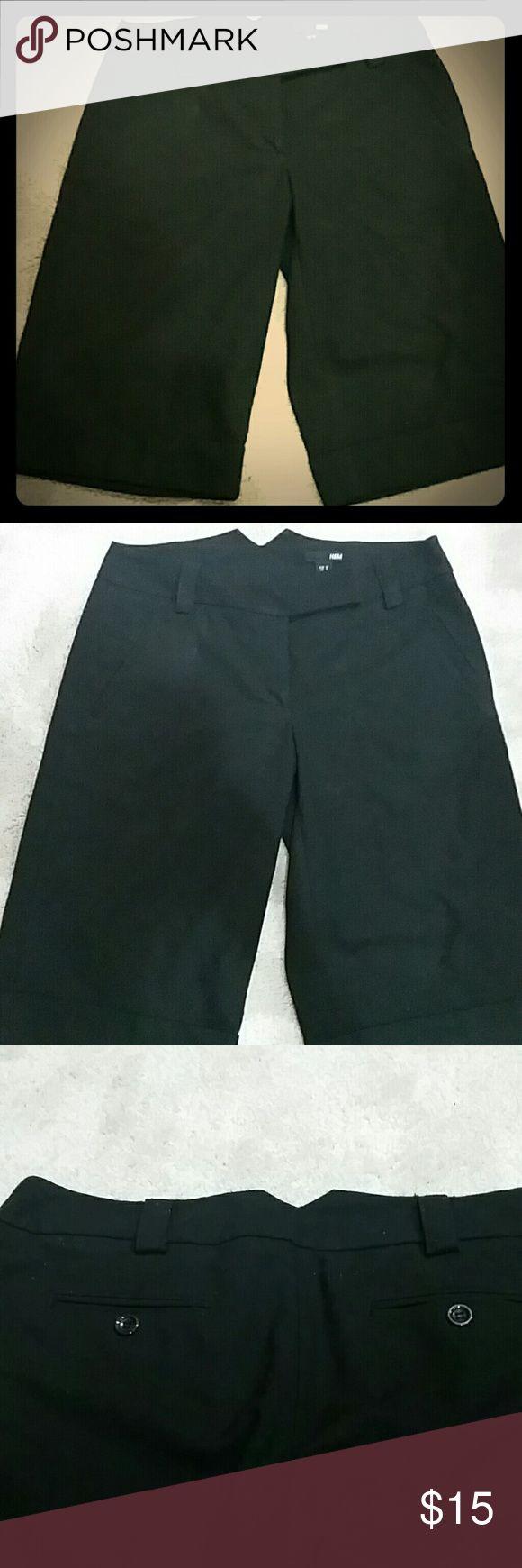 H&M womens knee length dress pants Black H&M womens knee length dress pants in size 8 true to size... H&M Pants Capris