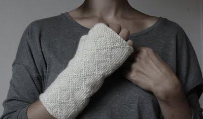 Swedish twoend knitted half mittens | 365 saker du kan sticka: #236 TVÅÄNDSSTICKADE HALVVANTAR MED LÅNG MUDD