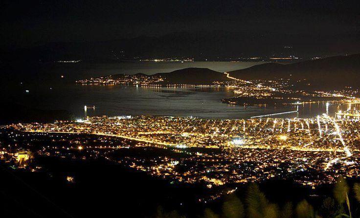ΒΟΛΟΣ. Gorgeous Volos at night..