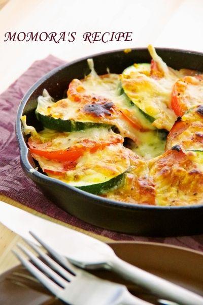 スキレットと魚焼きグリルで簡単節約5分♪ズッキーニとトマトとベーコン