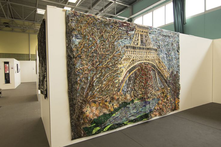 Tour Eiffel. Cm 350 x 250.  This artwork is a tribute to the European patchwork crossroads. Paris, which hosted Daniela and Marco on several exhibitions. The Eiffel Tower represents much more than just the French Capital: it is, in a sense, the eternal manifest of modern architecture.