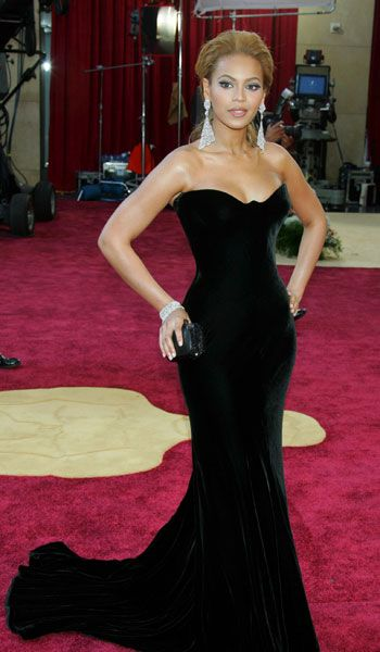 Beyonce in Atelier Versace - 2005, oscars, The Best Oscar Dresses Ever, red carpet