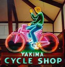 Many museums have a sculpture garden, but the Yakima Valley Museum is the only museum we know of with a Neon Garden.