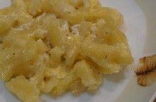 Zemiaky s kyslou smotanou a syrom