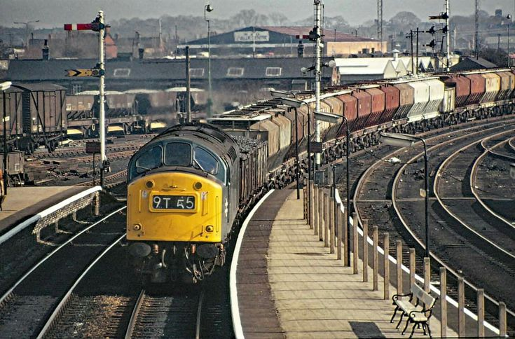 Class 40 at Northwich, 7th March 1975.  My photo - one of my favourites in fact.