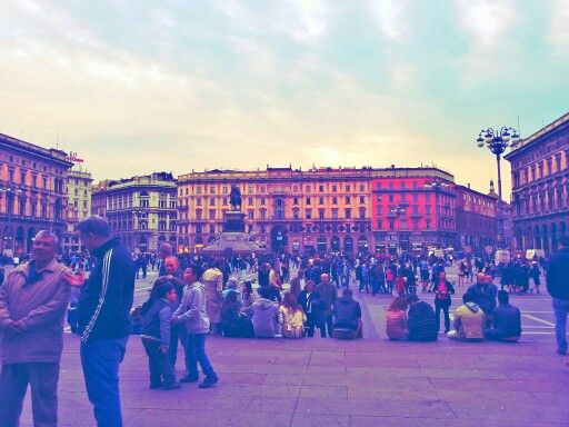 colors and people. Piazza duomo,milano