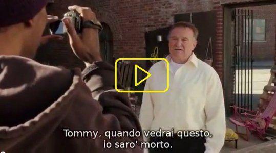 ''La mia lapide dirà, 1951 - 2014'' Robin Williams nel suo ultimo film (L'UOMO PIU' INCAZZATO DI BROKLYN 2014)