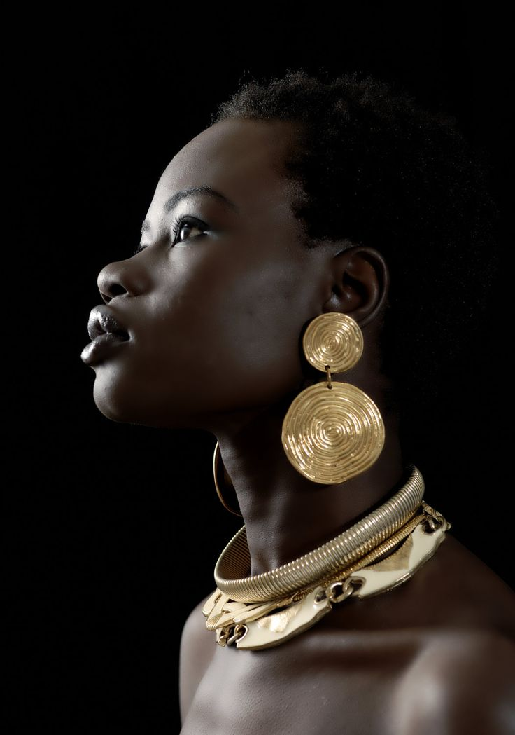 L'Abidjanaise.Flattened Gilded Brass Plate Earrings+Contemporary Chocker Necklace.Stunning!