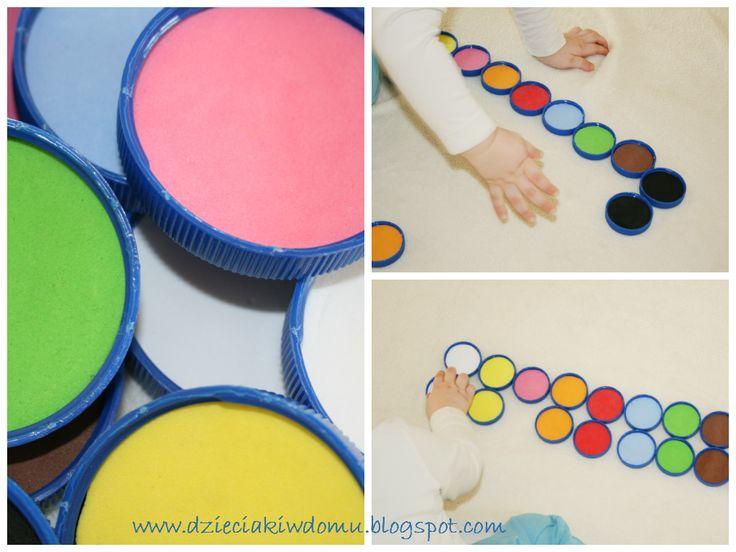 Gra w kolory - memory z nakrętek po butelkach www.dzieciakiwdomu.blogspot.com