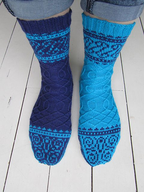 Knitting Patterns For Funky Socks : 332 best images about renaissance on Pinterest