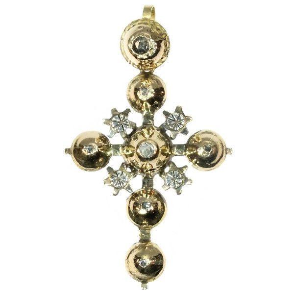 Online veilinghuis Catawiki: Gouden Victoriaanse kruisvormige hanger met diamanten - Maintenon-kruis - ca. 1850