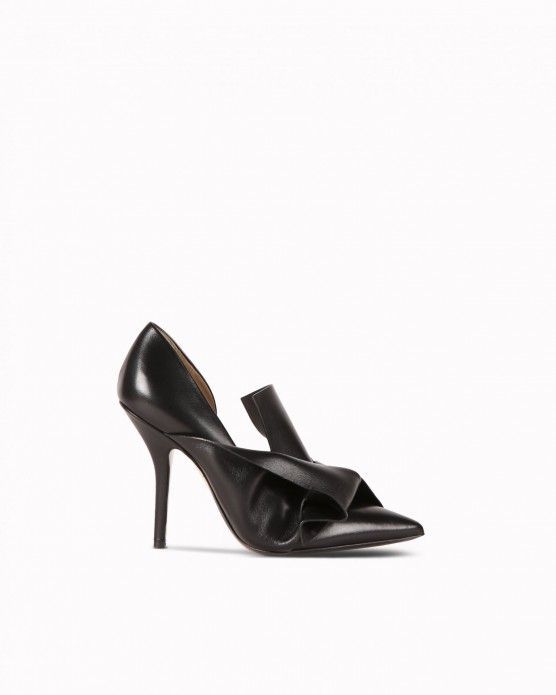 Bow-effect pumps N°21 #N21 #pumps #bow #knot #fashion #style #stylish #love #socialenvy #me #cute #photooftheday #beauty #beautiful #instagood #instafashion #pretty #girl #girls #styles #outfit #shopping