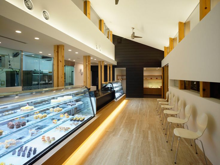 a 90-year old textile factory in kiryu of gunma, japan was refurbished and transformed into the 'patisserie uchiyama' by tokyo-based takato tamagami.