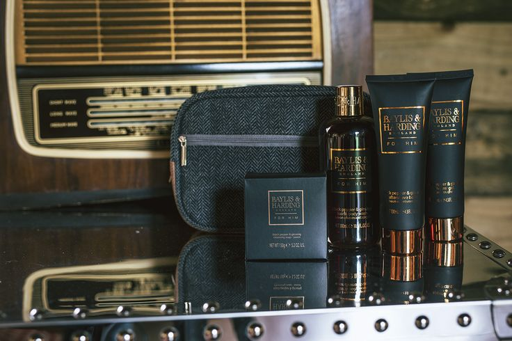Here's the perfect present for the men in your life!  Tick that box with our Black Pepper & Ginseng grooming set, complete with a stylish wash bag.