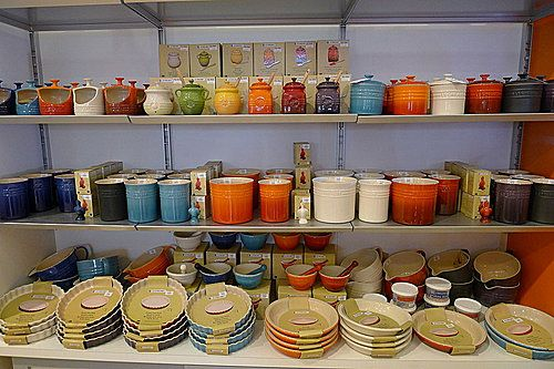 le creuset outlet stonewear | 倫敦苦旅 - Le Creuset Flagship Store and Outlet | Blog | 爆炸兔 ...