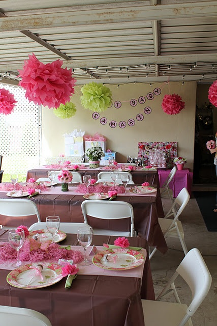 Brown Tablecloths With Pink Table Decorations