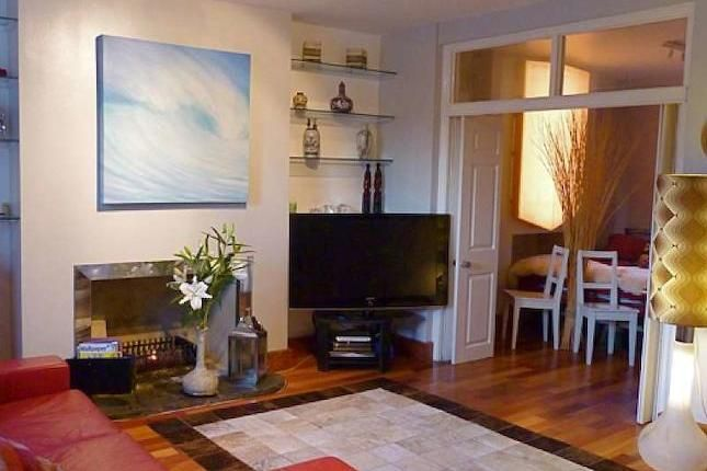 Check out this property for rent on #Zoopla  http://www.zoopla.co.uk/to-rent/details/35640976?search_identifier=7b0b6720d26a2d5ac59d03448ac43350#ooIsmcIaDYvb2KcO.97