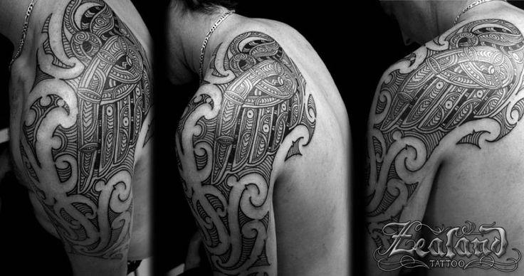 new-zealand-maori-shoulder-tattoo