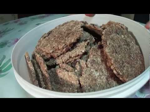 ▶ Galletas de granos germinados en deshidratador o al sol. EcoDaisy - YouTube