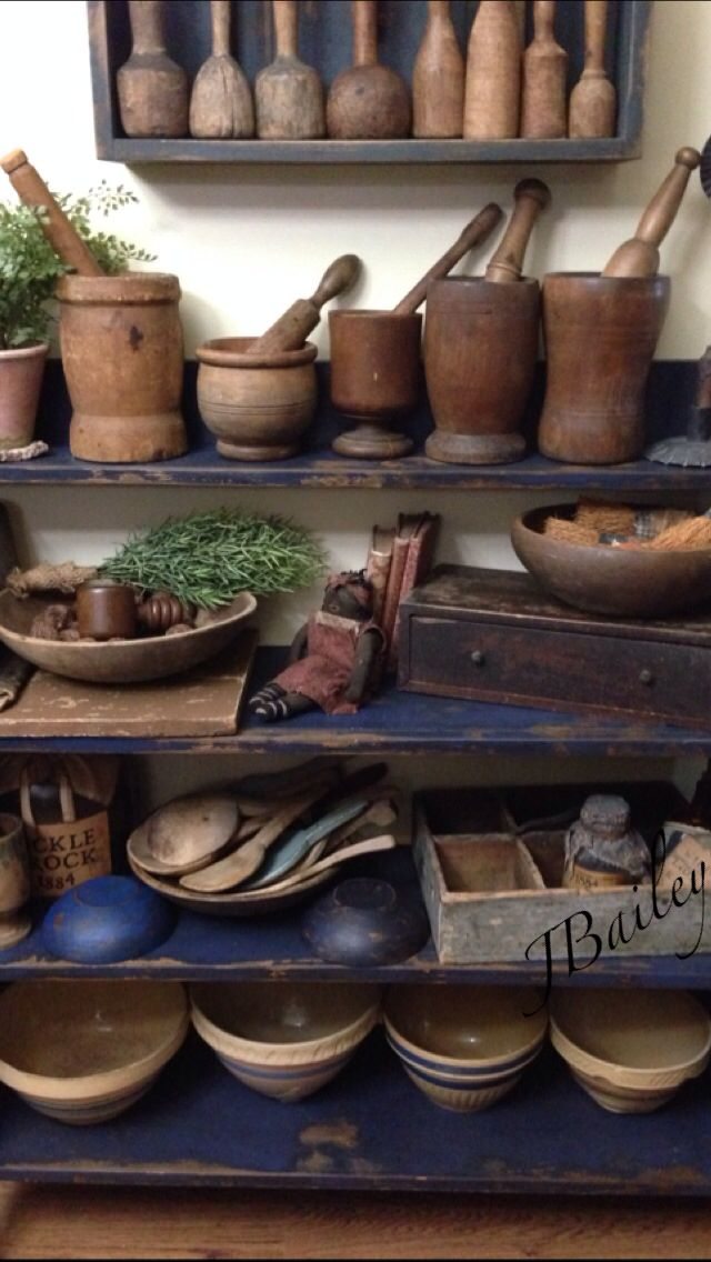 Kitchen shelf.  Wow, what a great primitive kitchen collection!