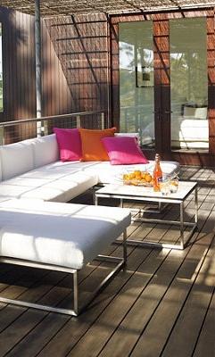 Enjoy these great modern furniture sets.