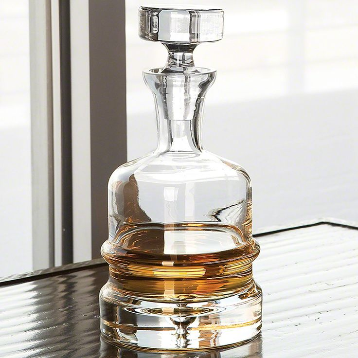 Global Views Traditional Decanter - Clear