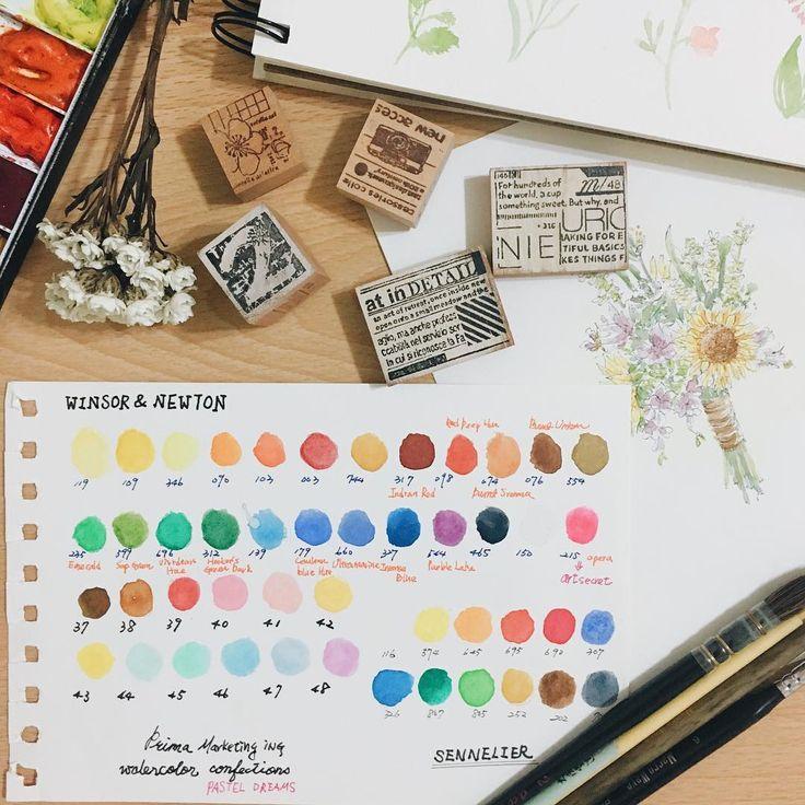 手元にある水彩で一枚の色見本を作った。主にウィンザー&ニュートンをつかってます。  將手邊的水彩重新做了一張小色卡。三個牌子中有相似的顏色,目前牛頓的使用率最高,不是其他的不好,而是自己懶得拿出來用😊  #watercolor #watercolors #stamp #staionary #flowers #スケッチブック #色見本#透明水彩 #スタンプ #色票#印章#夏米花園 #夏米印章 #水彩#牛頓#申內利爾