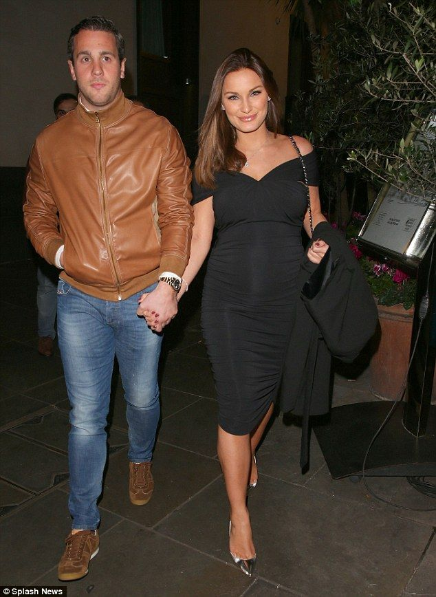 Sam Faiers.. Gorgeous Couture Maternity The Lucianna dress.. #chicbump #stylethebump