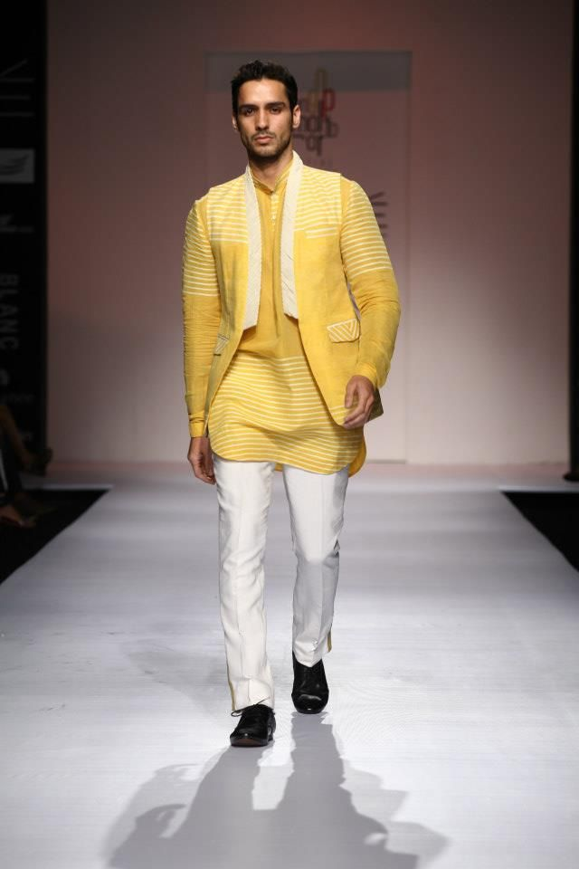 Indian Desinger Almaraj Sengupta at Lakme Indian Fashion Week as part of Summer 2013. Follow Strand of Silk to get the best of Beautiful Indian Fashion from leading Fashion Designers, including Contemporary Indian Fashion and Indian Bridal clothes like Saris, Anarkalis, Salwar Suits, Lenghas, Indian Jewellery.