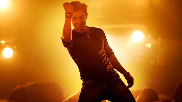 Khalifa Song Lyrics from Hindi Movie Lekar Hum Deewana Dil... #khalifa #songlyricstranslation #lekarhumdeewanadil #hindisonglyrics #deekshaseth #arrahman